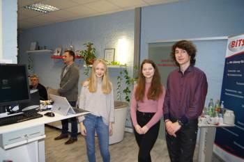 Schüler der Landesschule Pforta beim Besuch der Firma BITS GmbH Business IT Solutions ©Stadtverwaltung Naumburg (Saale)