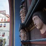 Naumburger Hauszeichen an der Lorbeerbaum-Apotheke