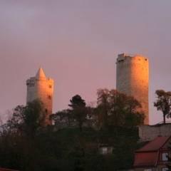 Burg_Saaleck_am_Abend.JPG