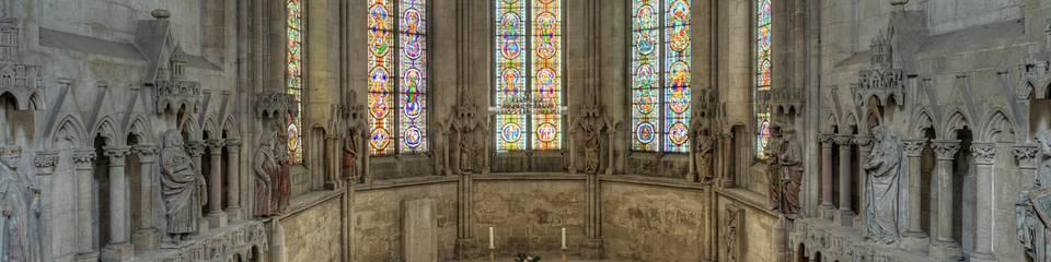 Blick in den Westchor mit Stifterensemble, Steinmetzarbeiten aus der Werkstatt des Naumburger Meisters ©Vereinigte Domstifter zum Naumburg, Merseburg und des Kollegiatstifts Zeitz